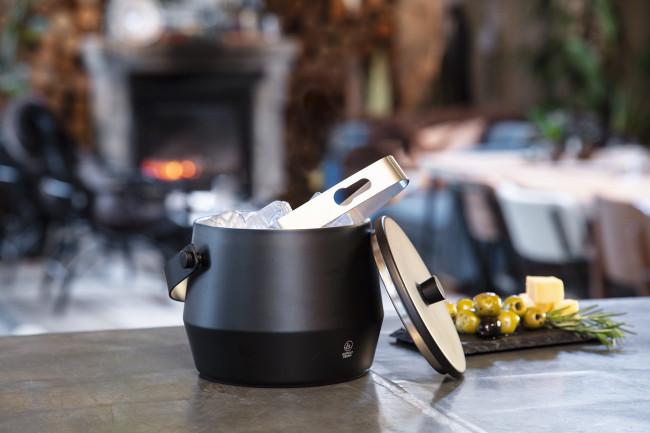 Ice bucket 1,0L + lid and tongs matt black